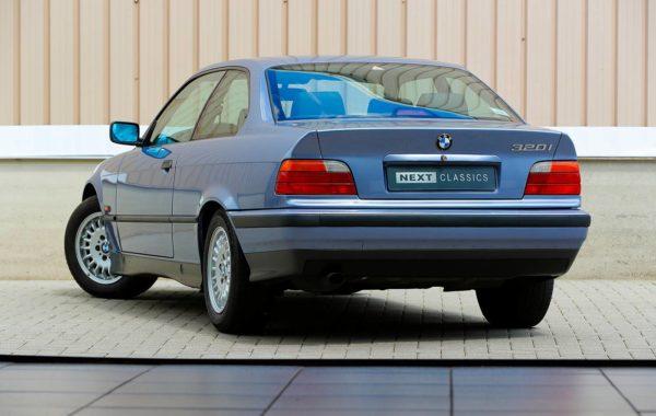 BMW 320iA Coupe